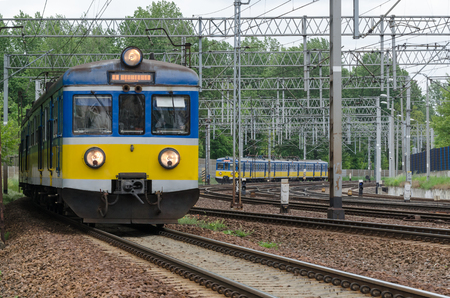 PASSENGER TRAINS - Departure and arrival of electric vehicles