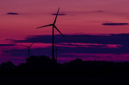 WIND FARM - Fiery evening over the fields Imagens
