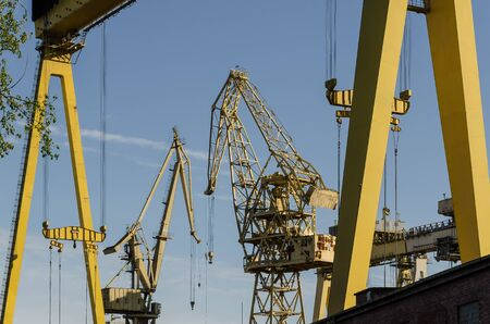 GANTRY AND CRANES - Big yellow structures in the shipbuilding
