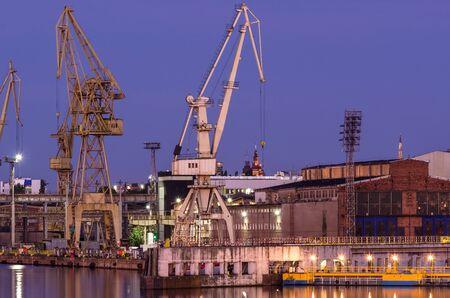 SHIPYARD - Port cranes, quay and industrial buildings
