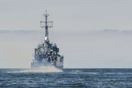 LANDING CRAFT - The warship is on patrol at sea Banque d'images