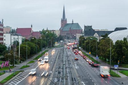 SZCZECIN, WEST POMERANIAN / POLAND - 2020: Morning car traffic on city roads Editoriali