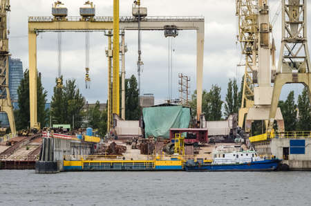 SHIPYARD - ship keel on the slipway 免版税图像
