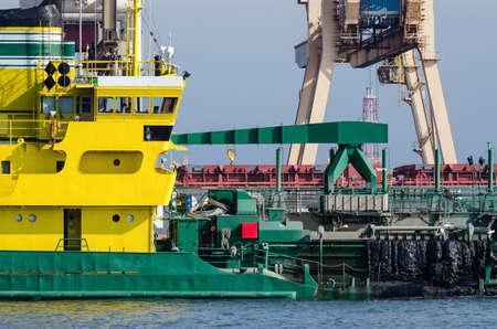 HOPPER DREDGER - Specialist vessel at work 免版税图像