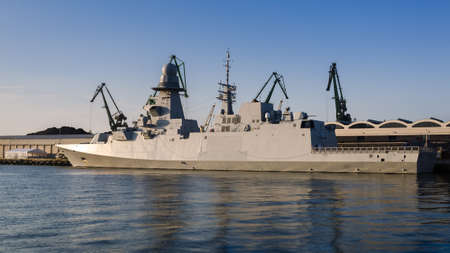 WARSHIP - Italian Navy guided missile frigate moored at the seaport wharf 版權商用圖片