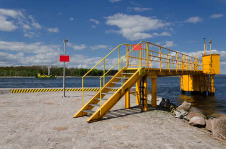 NAVIGATION OBJECT - Seaport infrastructure installed on the breakwater