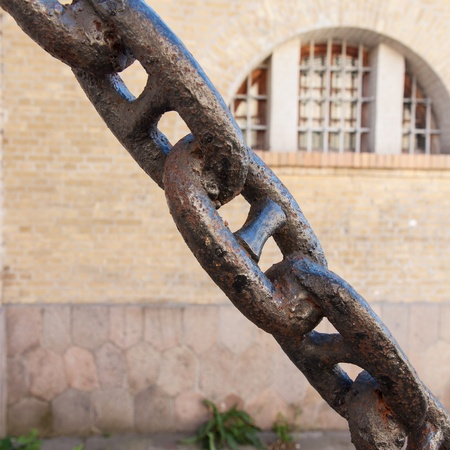 enchain: Close up of old, thick, rusted chain