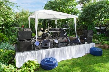 Scene for musicians perform at private party Foto de archivo