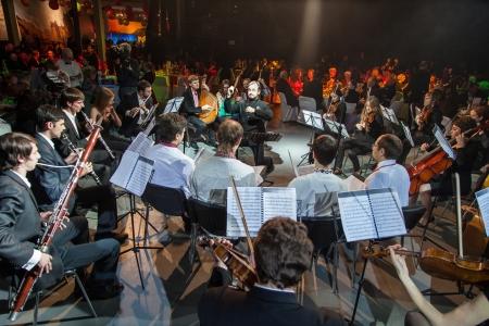 Kiew, Ukraine, 9. März: Burns Night, ein Charity-Event widmet sich der schottische Dichter Robert Burns in Kiev, Ukraine, 9. März 2013. Rede von Chamber Orchestra