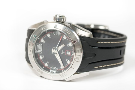 cronógrafo: Sports wrist watch isolated over white background.
