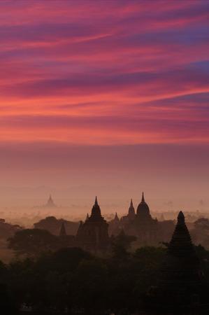 Twilight sky in thousand pagodas of Bagan, Myanmar. Stok Fotoğraf - 111359129