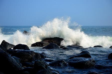 Sea landscape with waves on the beach Фото со стока