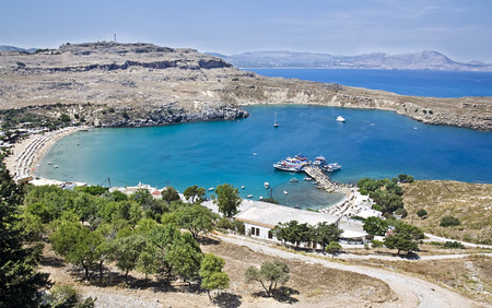 paisaje mediterraneo: Lindos Bay. Paisaje mediterr�neo, la isla de Rodas, Grecia