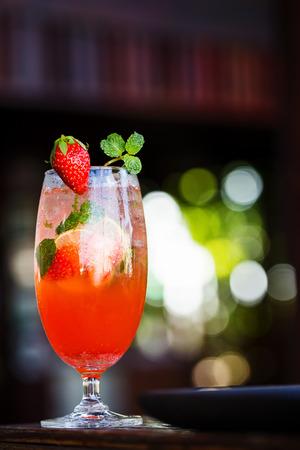 tastes: Strawberry soda that tastes delicious and refreshing.