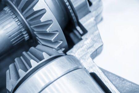 Die Nahaufnahme des Differentialgetriebesatzes des Übertragungssystems. Das Konzept des Herstellungsverfahrens für Automobilgetriebeteile für die Automobilindustrie. Standard-Bild