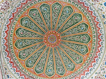 Kunst Handwerk Kuppel Marmor von Pinjore Garten am Ambala-Shimla Highway, Pinjore, Chandigarh, Haryana, Indien Standard-Bild