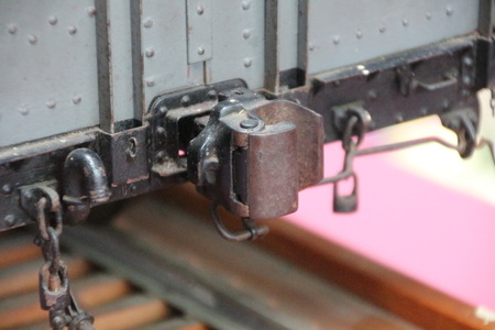 freight train: Automatic coupler for freight train