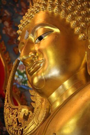 Face of Phra phuttha chinnarat  , close-up