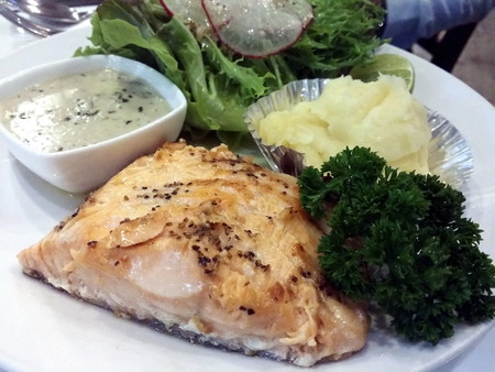 dish disk: Fish steak  with sauce mash fresh vegetable