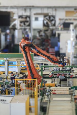 생산 라인 제조 공장의 산업용 피킹 로봇