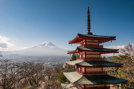 chureito: Chureito pagoda and Mountain Fuji in autumn Editorial