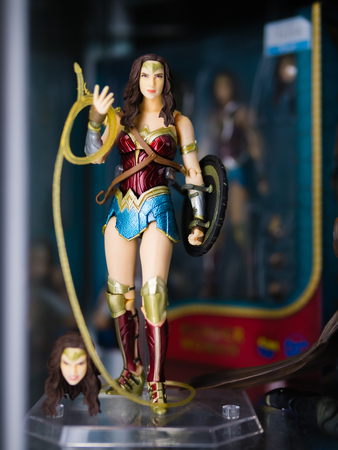 Tokyo, Japan - October 30, 2018: Close up of Wonder Woman figures on display shelf at Yamashiroya store in Ueno, Tokyo, Japan. It is an action figure series S.H.Figuarts based on famous DC Comics character Wonder Woman. Redactioneel