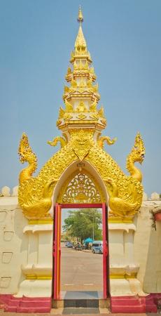 Decoraciones de puerta del templo de Tailandia