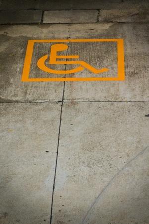 Signo de permiso de estacionamiento discapacitados