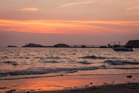 Puesta de sol en la playa Foto de archivo