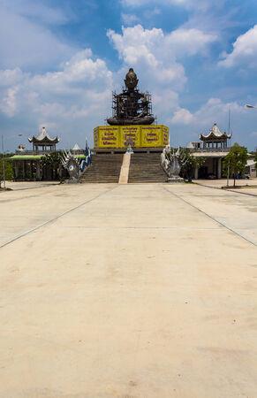 Buda gigante sentado