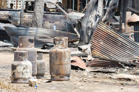 cilindro de gas: Materia de seguros de cilindros de gas GLP Burnt dañan peligroso.