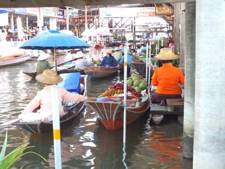 amphawa: amphawa floating market