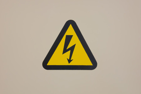 torres eléctricas: high voltage warning sign on high-voltage substation