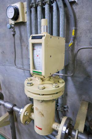 Devices measure the flow of fluids