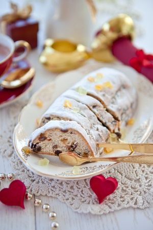 Christmas fruit loaf with powdered sugar