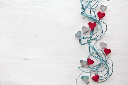 Decoratieve achtergrond met houten harten
