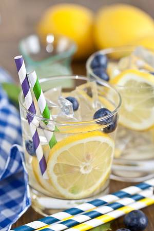 Homemade lemonade Stock Photo - 17796212