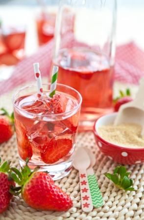 Homemade strawberry lemonade photo