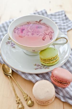 Fruit tea and macaroons