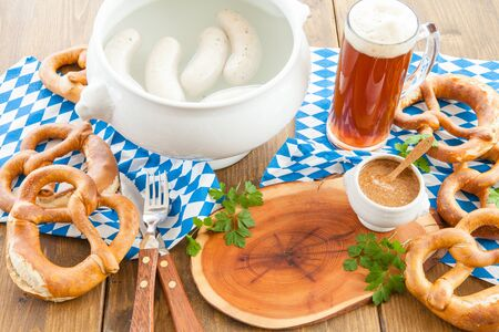 sweet mustard: Bavarian white sausages with sweet mustard and pretztels