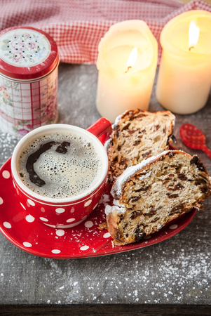 chocolate cakes: Red cup of coffee with slices of fresh fruit loaf