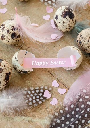 huevos de codorniz: huevos de codorniz con plumas de colores para Pascua