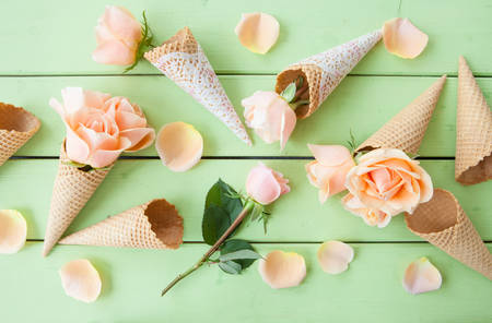 mothersday: Fresh pink roses on rustic wooden background