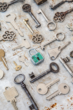 metall: Variety of keys on a rusty metall background