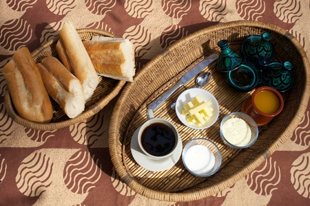 bamako: Variety of breakfast foods in a guesthouse in Bamako - Mali Stock Photo
