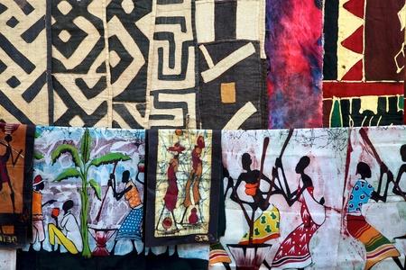 Artesanía en Namibia y Sudáfrica - La selección de telas de colores Editorial