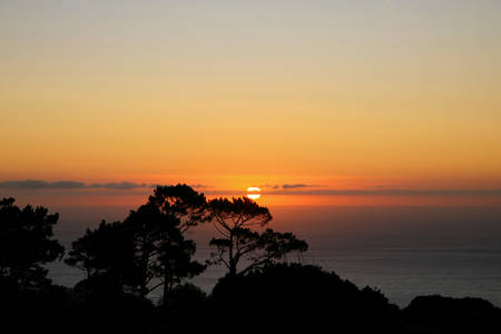 no cloud: Beautifull Cape Town Sunset with the Indian Ocean in the background and no cloud in the sky.