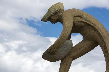 """prospector: Escultura llamado """"O Garimpeiro"""" (The Prospector) con el cielo azul, Boa Vista, Roraima, Brasil."""
