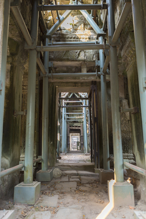 scaffolder: Details of the scaffolder inside Ta Prohm temple in Angkor Wat near Siem Reap, Unesco Heritage site in Cambodia Stock Photo