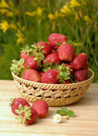 strawberry baskets: Fresh organic strawberries closeup shot